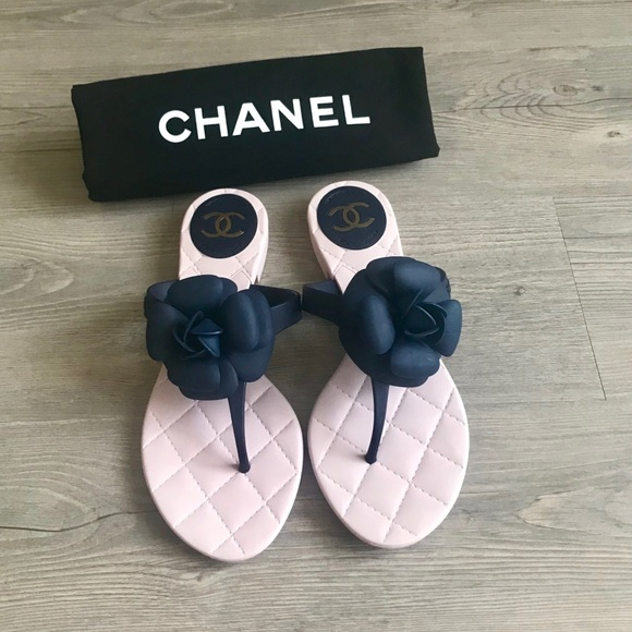 ce302febe CHANEL Camellia Flower Jelly Sandals